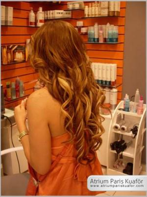 Saçlarda Kepeklenmenin Sebepleri Nelerdir?